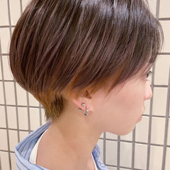 アッシュベージュ ショートヘア ショートボブ ナチュラル ヘアスタイルや髪型の写真・画像