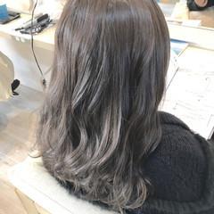 春 ナチュラル グレージュ アッシュ ヘアスタイルや髪型の写真・画像