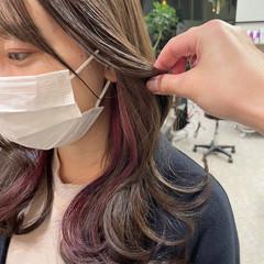 韓国ヘア ラズベリーピンク ミディアム インナーカラー ヘアスタイルや髪型の写真・画像