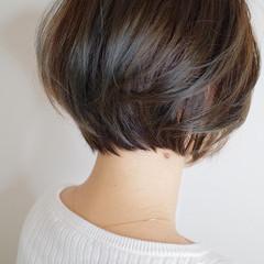オリーブアッシュ 大人ハイライト ハイライト ナチュラル ヘアスタイルや髪型の写真・画像