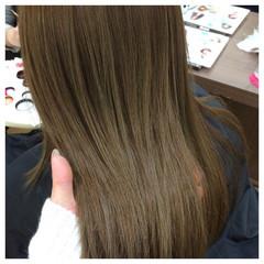 イルミナカラー グレージュ ベージュ セミロング ヘアスタイルや髪型の写真・画像