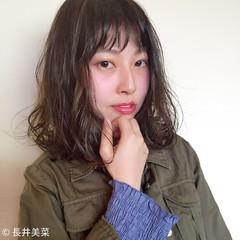 ミディアム ミルクティー 色気 アッシュ ヘアスタイルや髪型の写真・画像