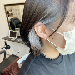 ガーリー インナーカラー シルバー シルバーアッシュ ヘアスタイルや髪型の写真・画像