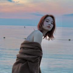 女子力 フェミニン ウェーブ エフォートレス ヘアスタイルや髪型の写真・画像