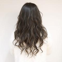 グラデーションカラー グレージュ ハイライト フェミニン ヘアスタイルや髪型の写真・画像