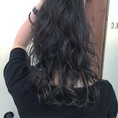 暗髪 ミディアム ローライト アッシュグレー ヘアスタイルや髪型の写真・画像