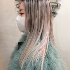 セミロング ナチュラル ハイライト グラデーションカラー ヘアスタイルや髪型の写真・画像