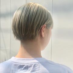 ブリーチ モード ショート ホワイトブリーチ ヘアスタイルや髪型の写真・画像