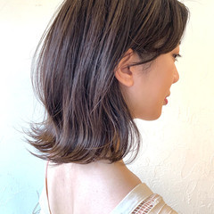 透明感カラー ナチュラル 外ハネボブ ミディアム ヘアスタイルや髪型の写真・画像