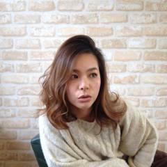 大人かわいい 外国人風 ミディアム ストリート ヘアスタイルや髪型の写真・画像