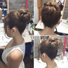 セミロング フェミニン ヘアアレンジ ルーズ ヘアスタイルや髪型の写真・画像