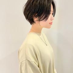 ミニボブ ナチュラル ショート 切りっぱなしボブ ヘアスタイルや髪型の写真・画像