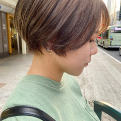 アッシュベージュ 大人ショート ナチュラル ショートヘア ヘアスタイルや髪型の写真・画像