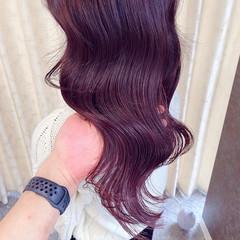 艶カラー ピンクパープル うる艶カラー ナチュラル ヘアスタイルや髪型の写真・画像