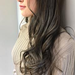 エレガント グレージュ n. アッシュグレージュ ヘアスタイルや髪型の写真・画像