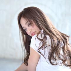 アッシュ 大人女子 アッシュグレージュ グレージュ ヘアスタイルや髪型の写真・画像