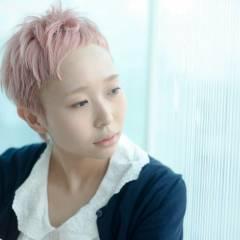 ハイトーン レッド ショート ピンク ヘアスタイルや髪型の写真・画像