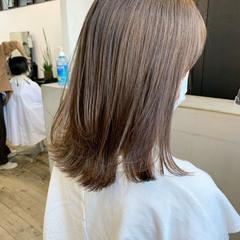 セミロング ナチュラル イルミナカラー 髪質改善 ヘアスタイルや髪型の写真・画像