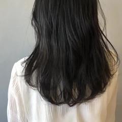 ブルーアッシュ フェミニン グレージュ ブルージュ ヘアスタイルや髪型の写真・画像
