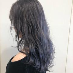 セミロング ブリーチオンカラー フェミニン グレージュ ヘアスタイルや髪型の写真・画像