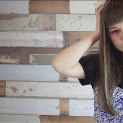 ガーリー ストリート ロング オリーブアッシュ ヘアスタイルや髪型の写真・画像