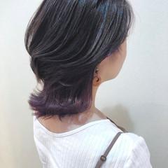 ナチュラル ミディアム インナーカラー ピンクパープル ヘアスタイルや髪型の写真・画像