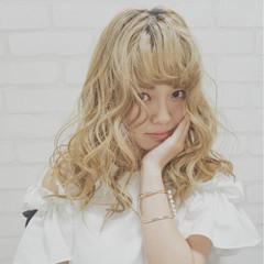 フェミニン ガーリー 外国人風 ハイトーン ヘアスタイルや髪型の写真・画像