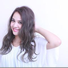 上品 波ウェーブ 秋 エレガント ヘアスタイルや髪型の写真・画像