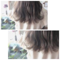 くせ毛風 ハイライト セミロング 外国人風 ヘアスタイルや髪型の写真・画像