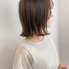 ナチュラル グレージュ デジタルパーマ 切りっぱなしボブ ヘアスタイルや髪型の写真・画像