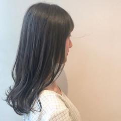 透明感カラー ミルクティーアッシュ ミルクティーグレージュ セミロング ヘアスタイルや髪型の写真・画像