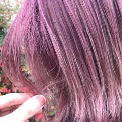 ベージュ ガーリー ミディアム レッド ヘアスタイルや髪型の写真・画像