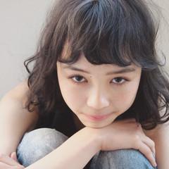 ミディアム 簡単 暗髪 大人かわいい ヘアスタイルや髪型の写真・画像