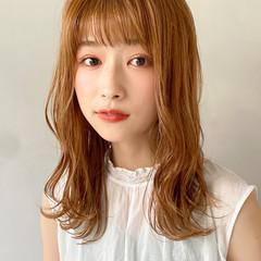 オレンジベージュ アンニュイほつれヘア ミディアム 大人かわいい ヘアスタイルや髪型の写真・画像