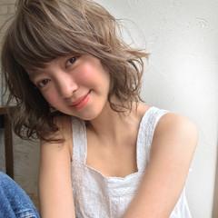 ミディアム デート 黒髪 パーマ ヘアスタイルや髪型の写真・画像