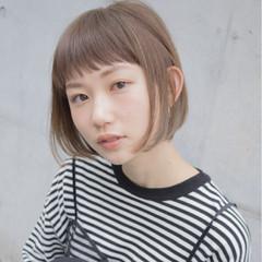 インナーカラー モード ナチュラル ボブ ヘアスタイルや髪型の写真・画像