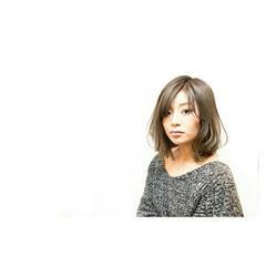 外国人風 グレージュ イルミナカラー ミディアム ヘアスタイルや髪型の写真・画像