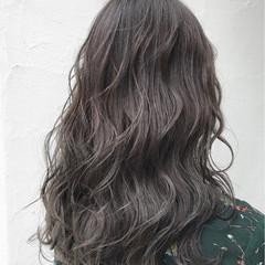 ハイライト グレージュ ガーリー ミディアム ヘアスタイルや髪型の写真・画像