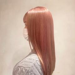 フェミニン ロング ブリーチ オレンジ ヘアスタイルや髪型の写真・画像