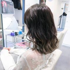 ミディアム 外国人風 謝恩会 イルミナカラー ヘアスタイルや髪型の写真・画像