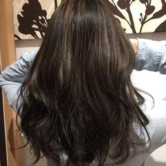 カール ロング ゆるふわ ハイライト ヘアスタイルや髪型の写真・画像