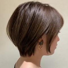 ナチュラル デート ショートヘア ミニボブ ヘアスタイルや髪型の写真・画像