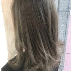 ストリート ウェーブ センターパート アンニュイ ヘアスタイルや髪型の写真・画像