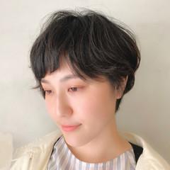 ナチュラル くせ毛風 ニュアンスパーマ 大人かわいい ヘアスタイルや髪型の写真・画像