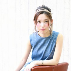 大人かわいい ミディアム フェミニン 簡単ヘアアレンジ ヘアスタイルや髪型の写真・画像