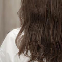 リラックス ミディアム ゆるふわ パーマ ヘアスタイルや髪型の写真・画像