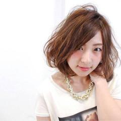 大人かわいい フェミニン ボブ ヘアスタイルや髪型の写真・画像