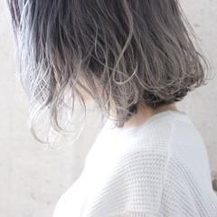 グレージュ ゆるふわ 愛され ボブ ヘアスタイルや髪型の写真・画像