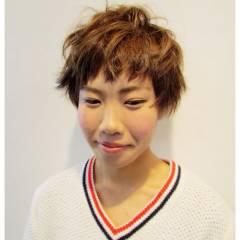 ストリート オン眉 秋 卵型 ヘアスタイルや髪型の写真・画像