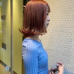 ピンクベージュ ストリート ミディアム ブリーチ ヘアスタイルや髪型の写真・画像